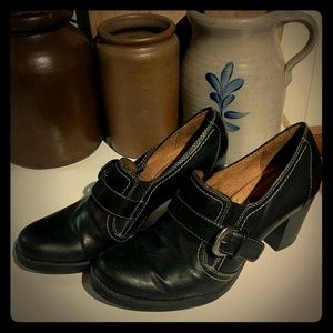 Natural Soul by Naturalizer Black Shoes